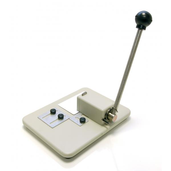Tisch-Kartenlocher mit Justierung